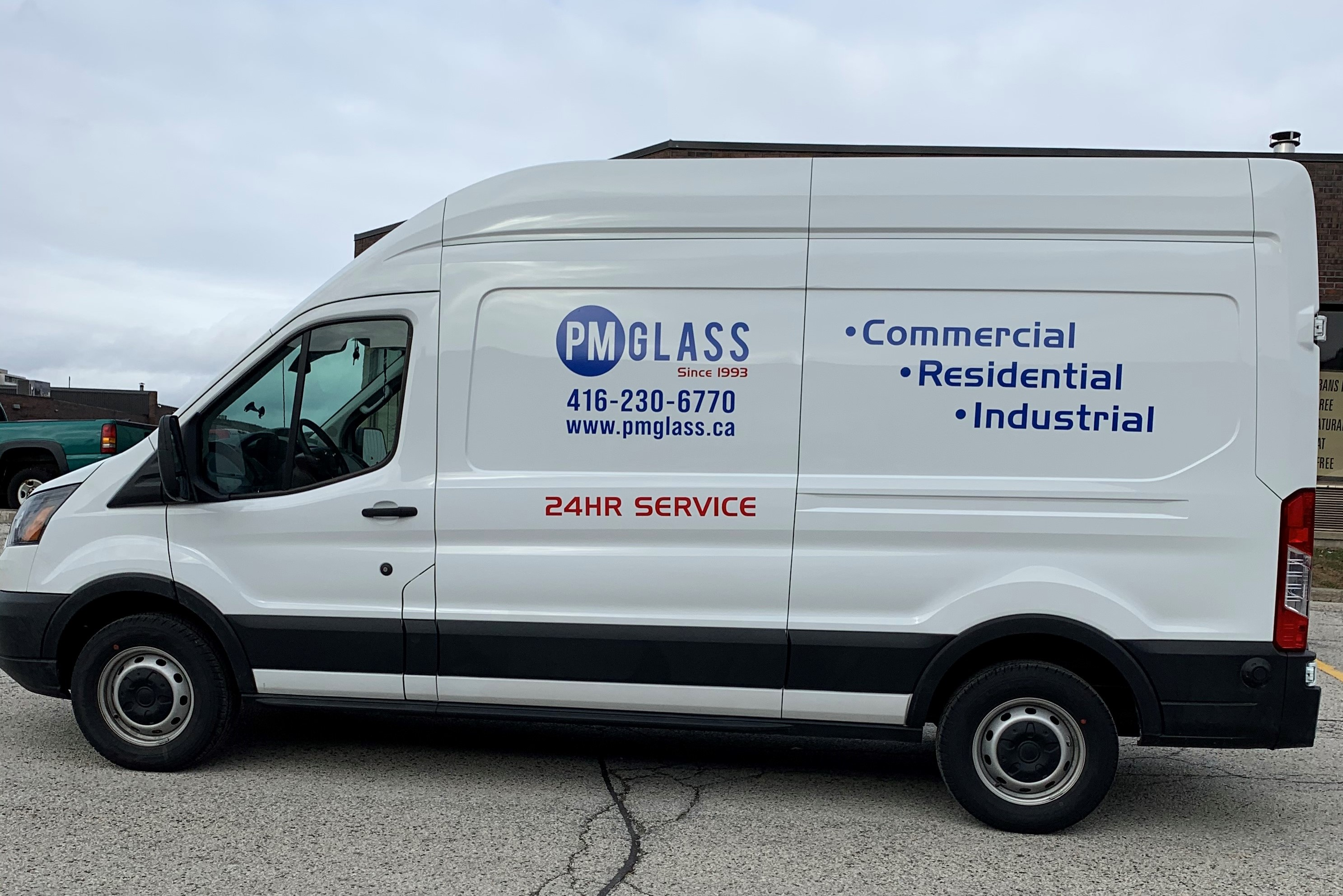 24-Hour Emergency Glass Repair Services in Toronto